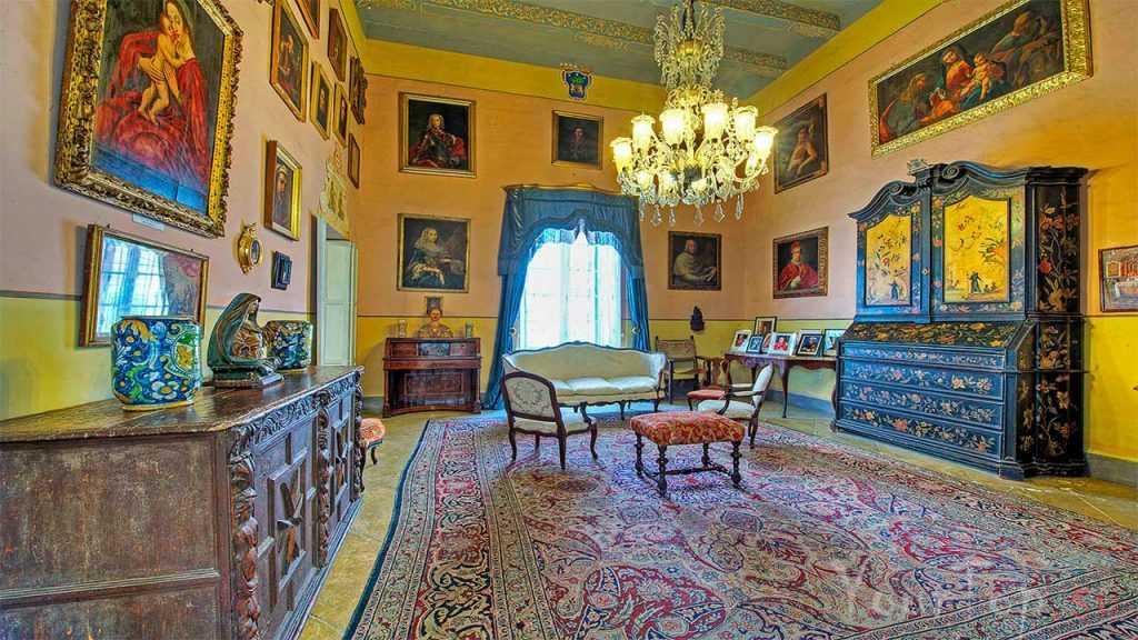 Аристократический музей Каса Росса Пиккола (фото 2)