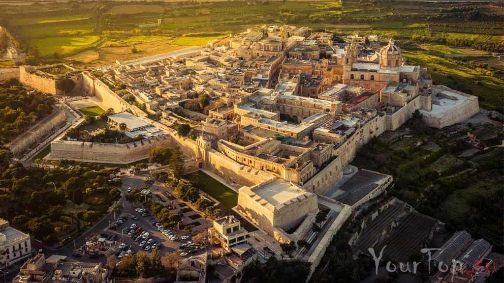 Древняя столица Мдина (фото 1)