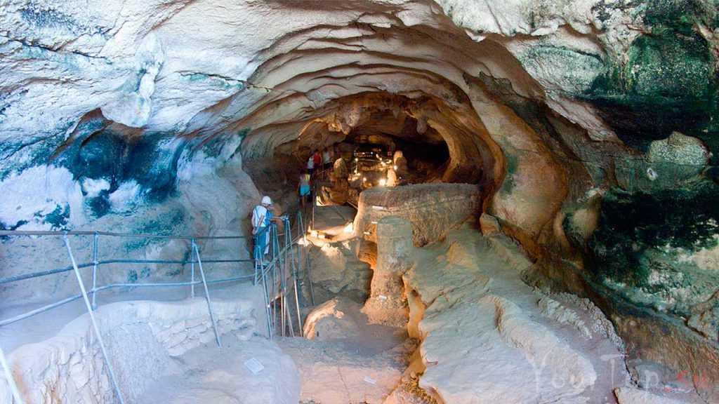 Подземные пещеры Гхар-Далам (фото 2)