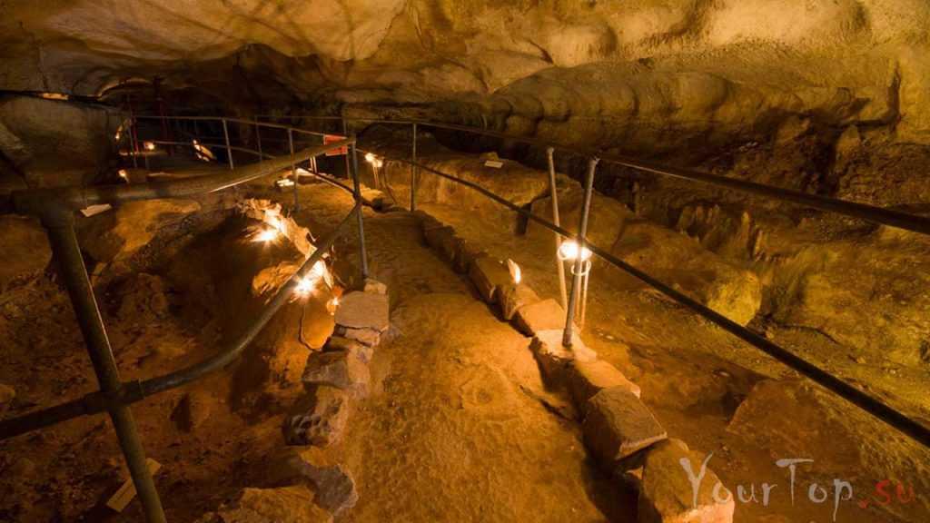 Подземные пещеры Гхар-Далам (фото 4)
