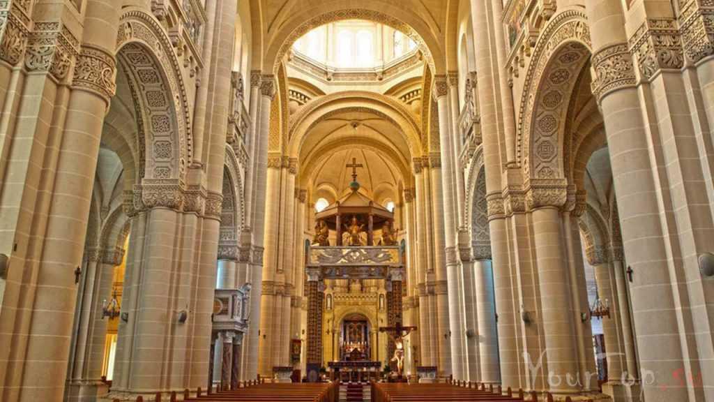 Святой храм Девы Марии Та-Пину (фото 2)