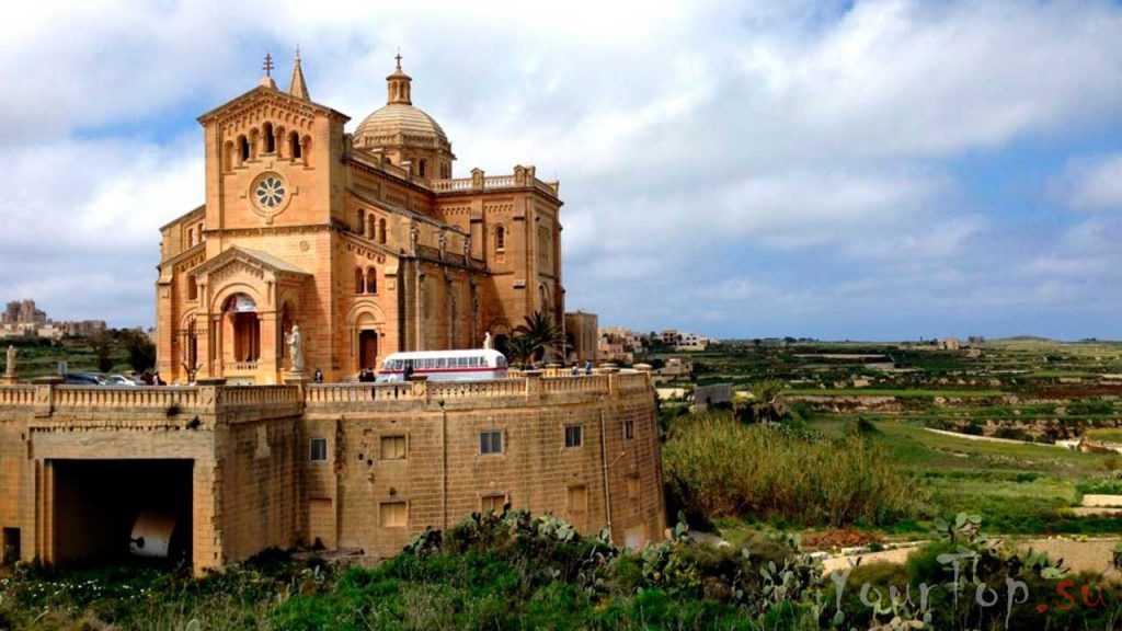 Святой храм Девы Марии Та-Пину (фото 4)